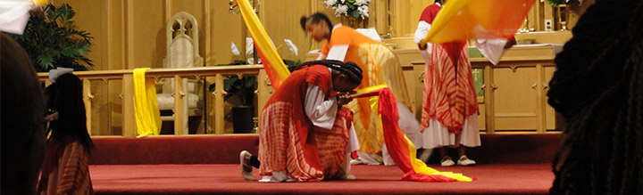 Praise-Dancers-in-Prayer.jpg